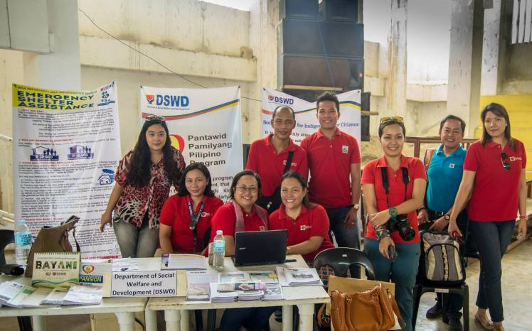DSWD7 Officials, the people behind the successful caravan.